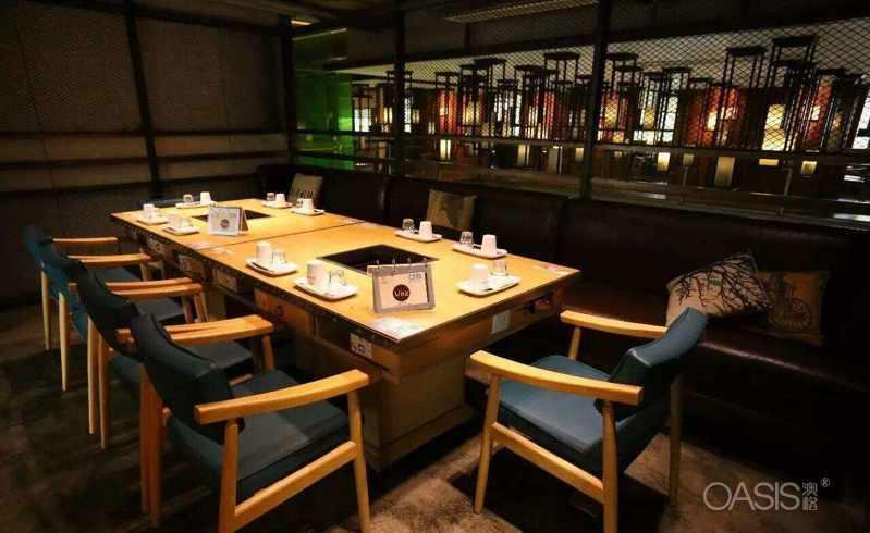 如何挑选火锅店餐桌餐椅