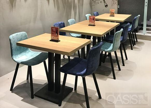 快餐厅卡座沙发尺寸选择存在哪些问题|餐饮家具