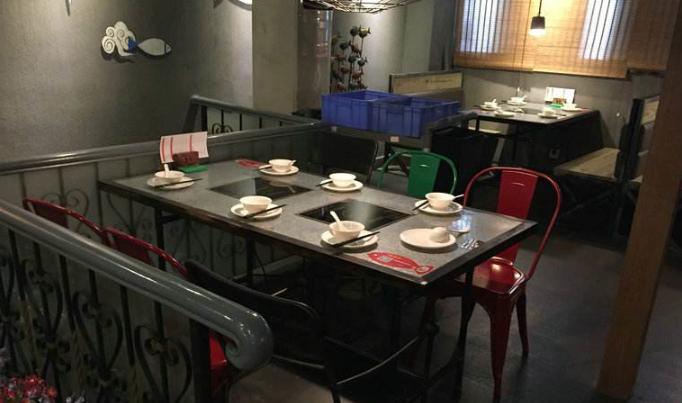 火锅店桌椅6